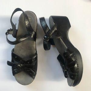 Dansko Women's Black Leather Sandals size 39